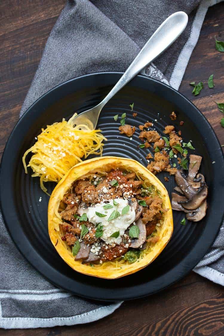 Low Carb Spaghetti Squash Bowls Veggies Don T Bite